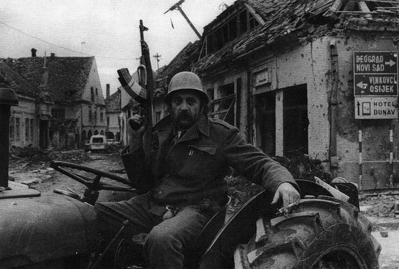 Смотреть порно фильм война в югославии