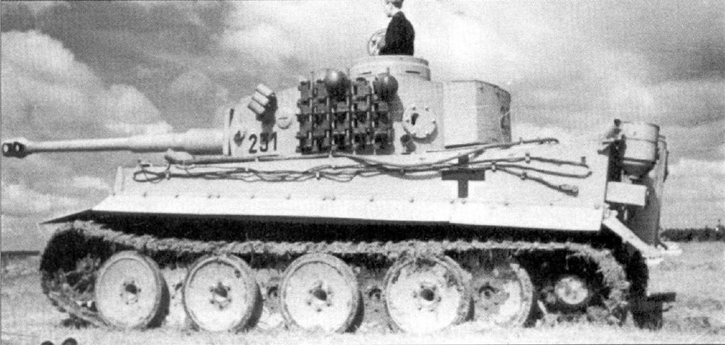 танк тигр сбоку